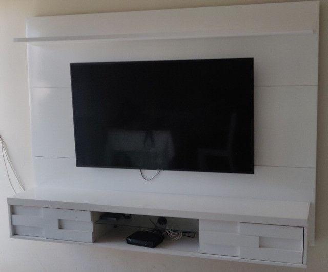 Vendo Painel de TV Branco R$350,00