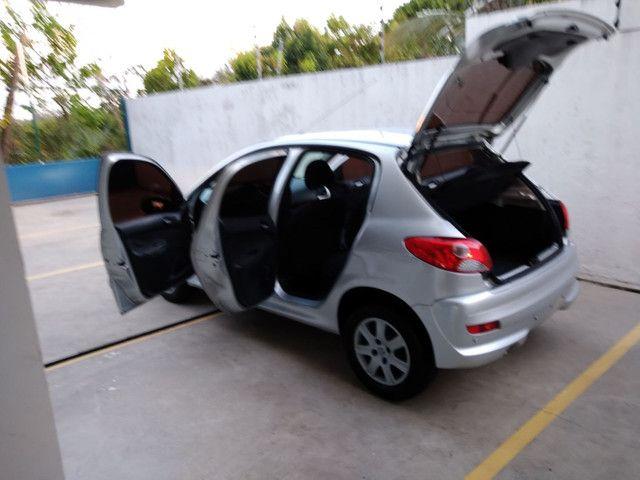 Peugeot 207 1.4 8v 2013 Excelente Estado! - Foto 3
