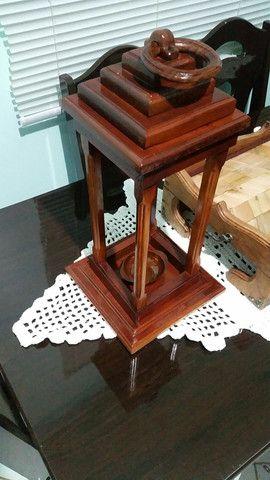 Lanterna de piso em madeira - Foto 2