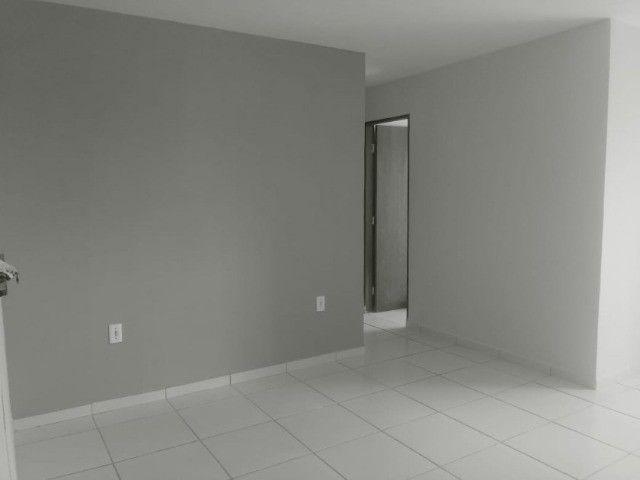 Apartamento em Nova Mangabeira de 03 quartos e varanda. Pronto para morar!!!
