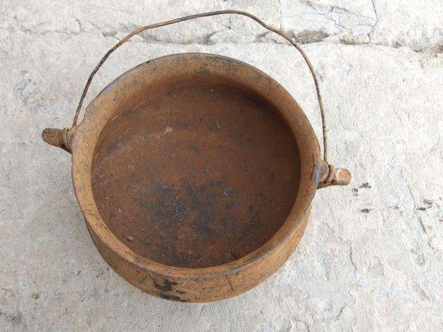 Caldeirão panela ferro furado antiguidade decoração artesanato enfeite  - Foto 3