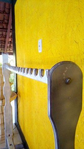 Vendo Arara rústica para roupas, semi nova  - Foto 4