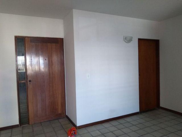 Apartamento com 3 Quartos, Sendo 1 Suite, no Melhor Local do Stella Maris