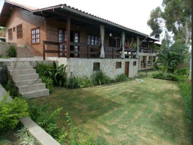 Vende-se casa em Gravatá por R$360.000.000,00