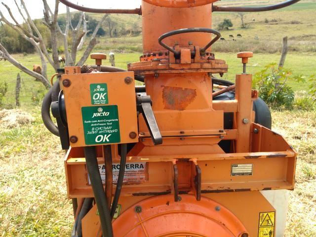 Pulverizador Jacto 400 l canhão