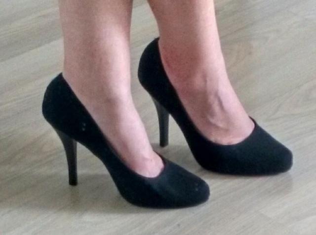 Sapato de camurça preto como novo! - Foto 2