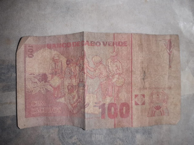 Cédula de 100 escudos Cabo Verde 1989 - Foto 2
