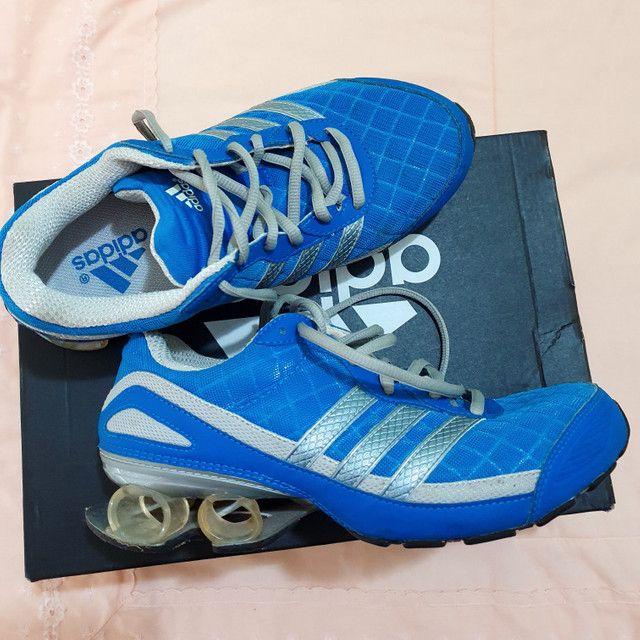 Tênis Adidas, cor azul, 37