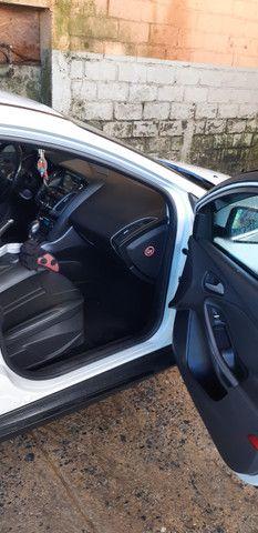 Ford Focus Hatch Titanium Plus 2.0 16V PowerShift 2015 - Foto 6