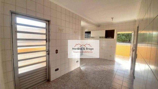 Sobrado com 4 dormitórios para alugar, 160 m² por R$ 2.500,00/mês - Cocaia - Guarulhos/SP - Foto 7