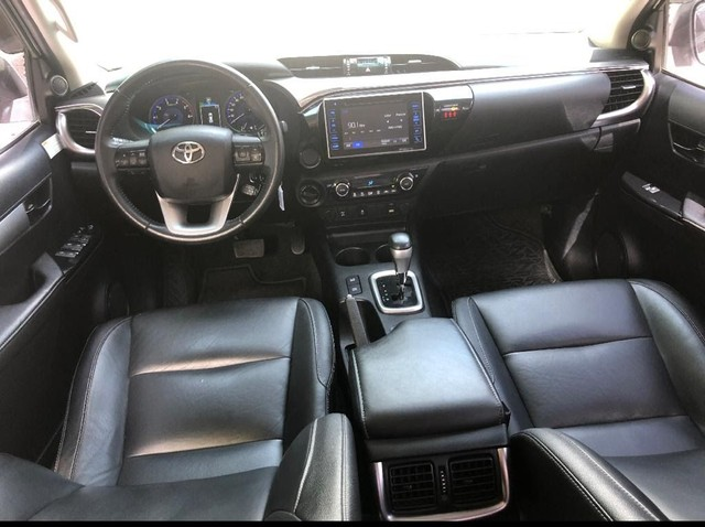 HILUX SRV  4X4 AUTOMÁTICA M2017 DIESEL - Foto 4