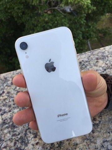 iPhone XR 64GB Branco * Aceito cartão  - Foto 2