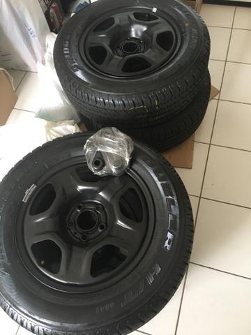 Rodas e pneus Renegade. Zero km