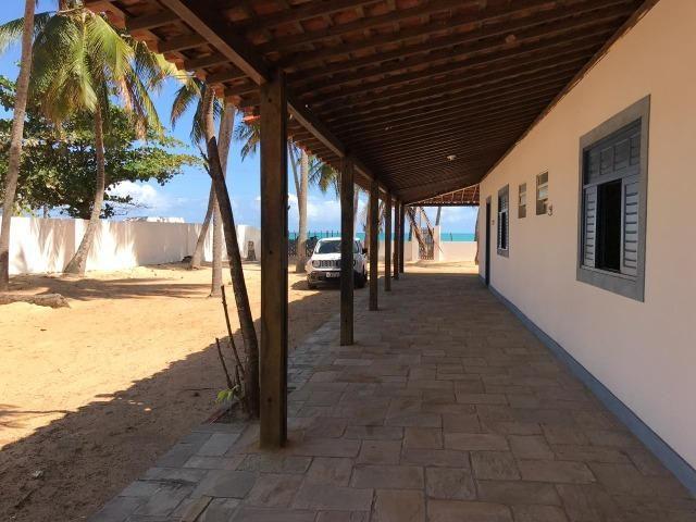Vendo casa à beira mar (pé na areia) - Foto 3