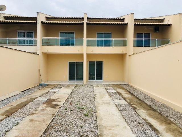 DP duplex com 3 quartos,2 banheiros,garagem,coz. americana,amplo quintal prox messejana