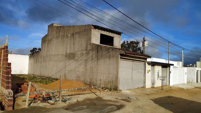 Casa com primeiro andar - Foto 11