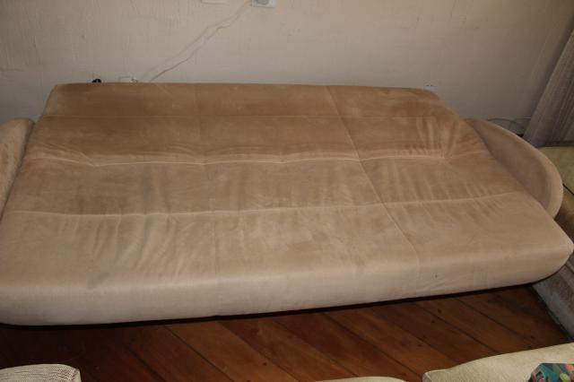 Sofá Cama em Tecido Bege 83cm x 206cm x 73cm - Foto 3