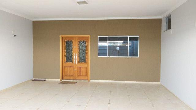 Casa de 3 quartos, 3 banheiros e 3 Garagens em Buritama - SP - Foto 4