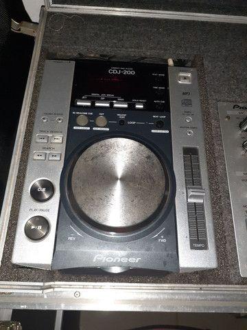 Par de cdj 200 mp3 com mix djm300s no case