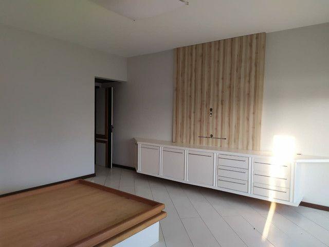 Condomínio Portal das Mansões Luxuoso - 6 quartos sendo 4 suítes - Av.getulio vargas   - Foto 8
