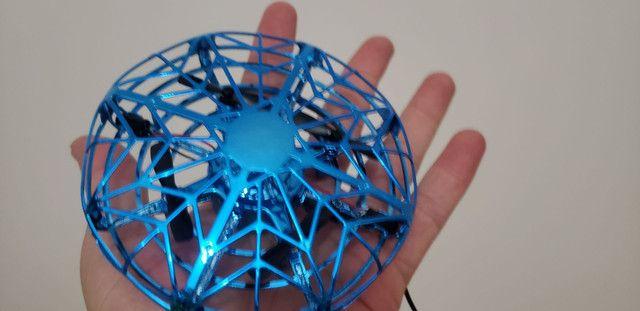 Mini drone com sensores
