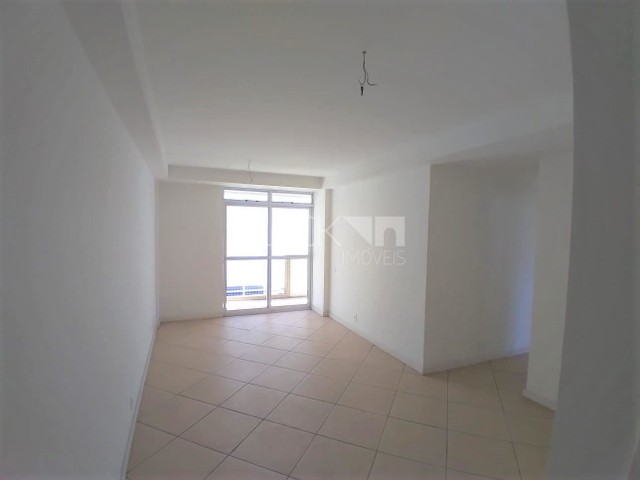 Apartamento à venda com 3 dormitórios cod:BI8841
