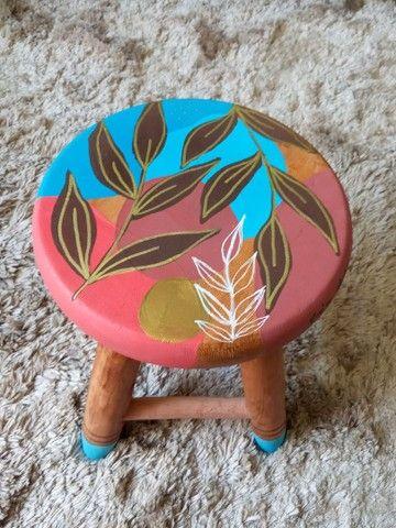 Banquetas de madeira pintado á mão - Foto 3