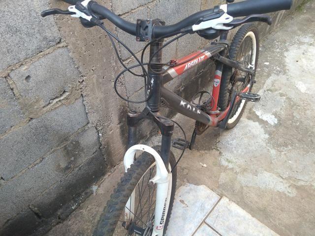 Bike com kit de freio hidráulico