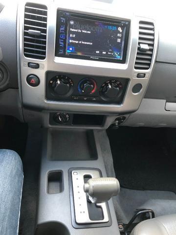 Nissan Frontier 2.5 LE 4x4 Automática Impecável - Foto 8