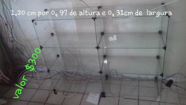 Vitrine de loja toda de vidro