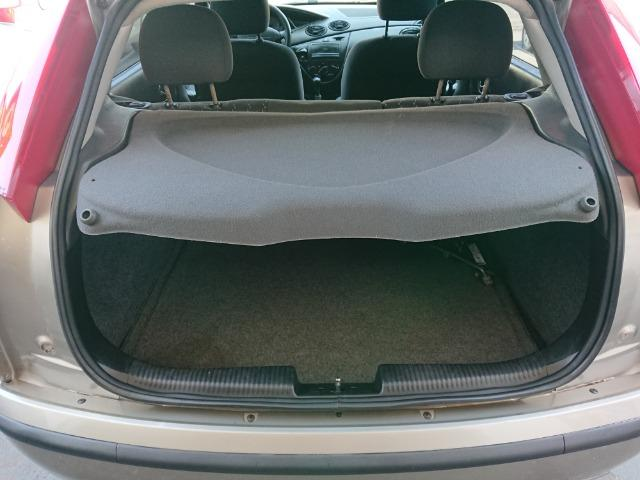 Ford Focus Hacht GLX 1.6 2004 - Foto 12