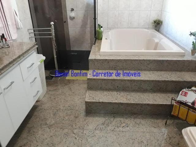 Casa com 04 quartos no bairro Grã-Duquesa - lote inteiro - Foto 8