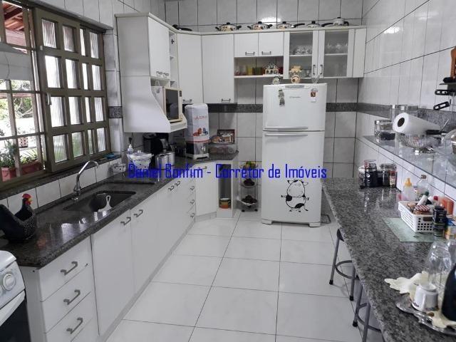 Casa com 04 quartos no bairro Grã-Duquesa - lote inteiro - Foto 12