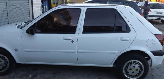 Carro fiesta 2001