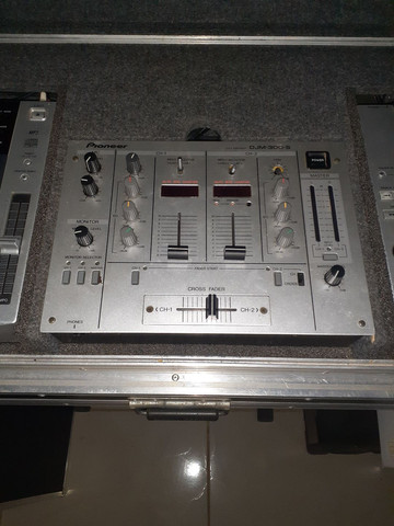 Par de cdj 200 mp3 com mix djm300s no case - Foto 3