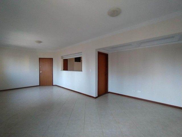 Locação | Apartamento com 130.37m², 3 dormitório(s), 2 vaga(s). Zona 01, Maringá - Foto 3