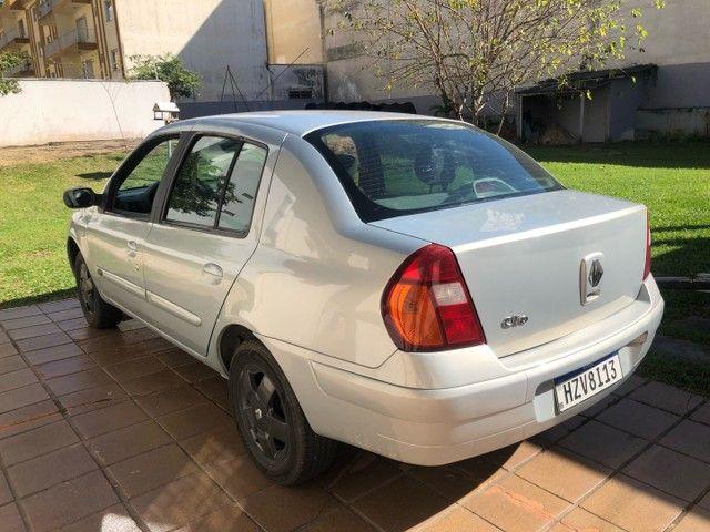 Renat Clio 1.0 4 pneus novos - Foto 2