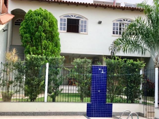 Casa com Ampla Área Sobre Dois Lotes (Esquina) - Foto 17