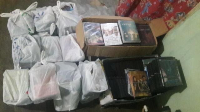 DVDs com diversos títulos de filmes - Foto 2