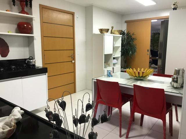 Apartamento com 185 metros com 3 suítes + lavabo na ponta verde - Foto 8