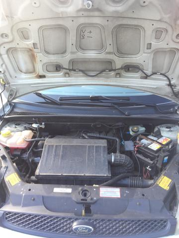 Ford Fiesta 2005 - Foto 2