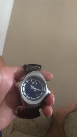 5d9c336a063 Relógio oakley original pulseira boa - Bijouterias