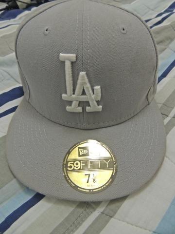 e6564804e5ad3 Boné New Era Los Angeles Dodgers Cinza Tamanho 7 1 8 56