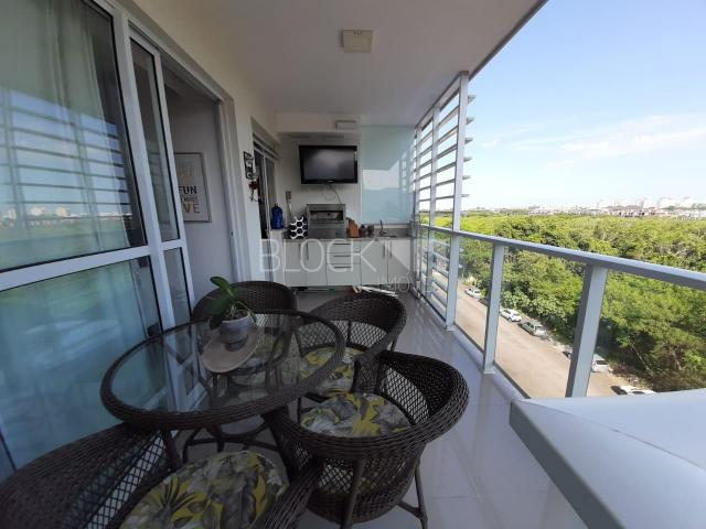 Apartamento à venda com 3 dormitórios cod:BI8292