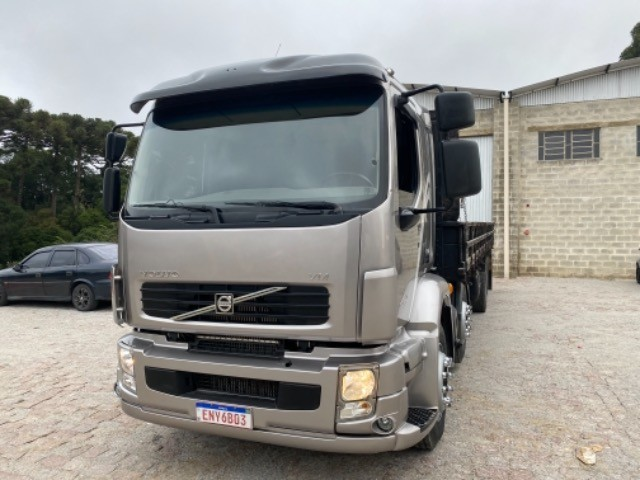 Volvo Vm 260 ano:11/11,cinza,bi-truck 8x2,com carroceria de 9 mts,ótimo estado - Foto 15