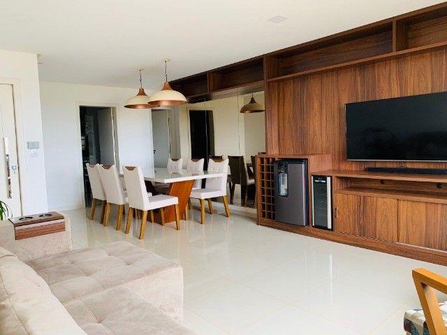 Apartamento (150m²) no Candeias com 3 Suítes, Sala ampla e 2 Vagas - Foto 2