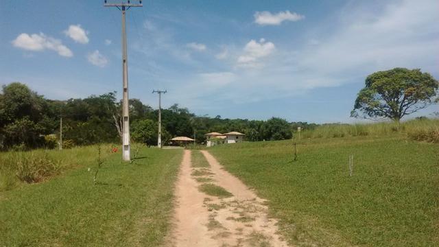 Terreno 338 m² em Condomínio, próximo Via Lagos á partir R$ 33.000,00