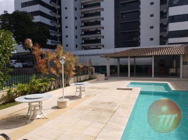 Apartamento no Farol com 3/4 sendo 01 suíte e possui 81,33 m² - Ref.: C3837