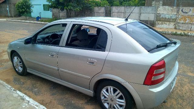 Gm - Chevrolet Astra 2004