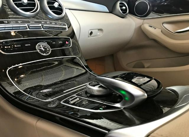 Mercedes Benz C180 Exclusive 1.6 Turbo. Cinza 2017/2018 - Foto 9
